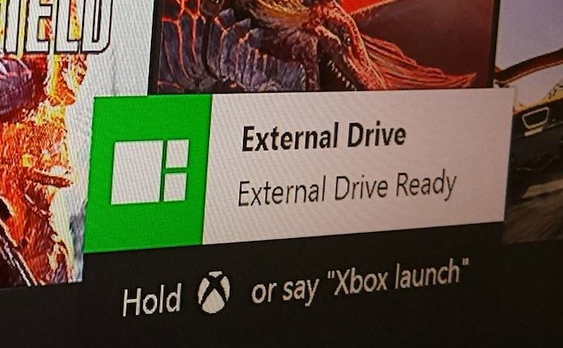 how to connect external speakers on xbox one